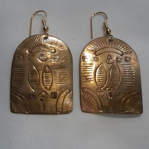Rare VTG GOLD TONE ETCHED EGYPTIAN EARRINGS